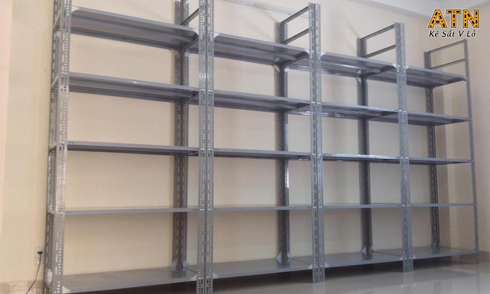 Địa chỉ cung cấp kệ sắt v lỗ đa năng giá rẻ tại TPHCM